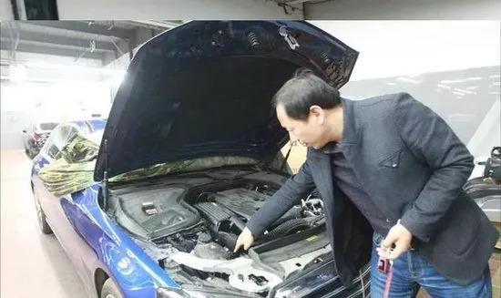 厉害了!奔驰4S店维修做手脚败露,车主最后获得新车赔偿