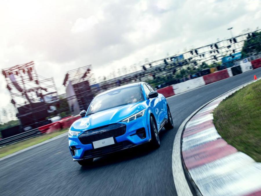 脱缰「电马」:Mach-E GT全球首发,赛道抢先体验3.65秒的快感!